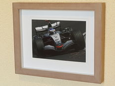 Kimi Raikkonen - World champion Formula 1 - original autographed framed photo McLaren + COA.