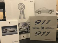 Lot With Porsche Official Books - 911 x 911 (reedition 2016) - one historic Calendar - a original 911 sales Brochure