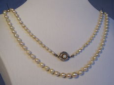 Pearl necklace around 1935 / 40