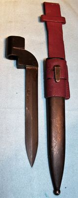 Bayonet for Lee Enfield, no.9 Mk 1, South Africa please note, this model has 2 cutting edges, with original frog and sheath in very good condition