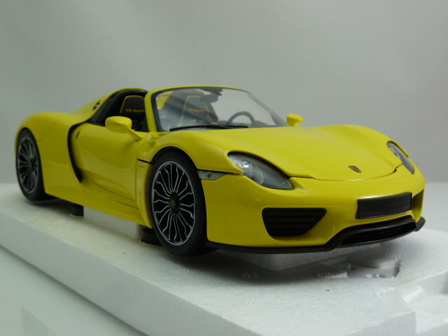 minichamps scale 1 18 porsche 918 spyder 2013 race yellow catawiki. Black Bedroom Furniture Sets. Home Design Ideas