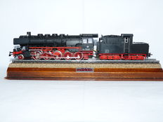 Märklin H0 - 3084 - Steam locomotive with pulled cabin tender BR 050 of the DB, with smoke generator