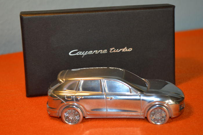 Porsche 911 Carrera S - paprweight massive model - 1:43