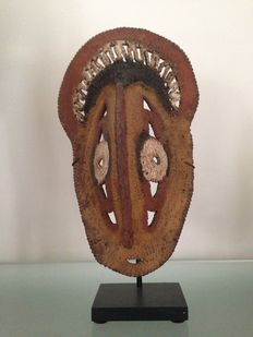 Yarn mask ex coll. Michael Hamson - Abelam - Maprik Mountains - Papua New Guinea