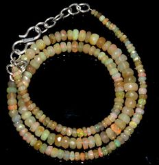 Welo Opal faceted beads necklace