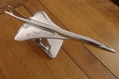 CONCORDE. beautiful model in polished metal, length 45 cm