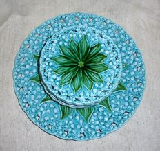 Villeroy & Boch - 10 majolica plates, decoration of lilies of the valley