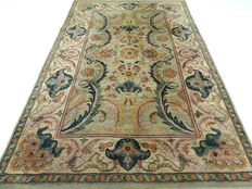 "Ziegler – 290 x 188 cm – ""Persian beauty in wonderful, nearly unused condition""."