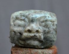 Pre Columbian stone very nice large bead / bead with a face - 4.9cm