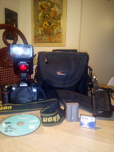 Lot Nikon D70 body & Flashlight SB-24 and Lowepro Nova 3 AW +8GB +fastcharger!