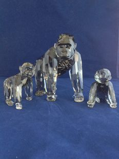 Swarovski - Year pieces - Gorillas (mother and child seated) - Gorilla Young (walking).