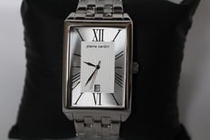 Pierre Cardin wristwatch in new condition with documentation