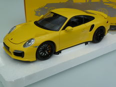 Minichamps - Schaal 1/18 - Porsche 911 (991) Turbo S - Race Yellow