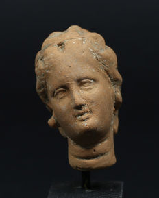 Hellenistic terracotta head of a woman - 50 mm