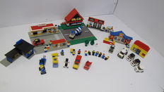 Classic Town - 6363 + 377 + 6362 + 6682 - Auto Service Station + Shell Service Station + Post Office + Cement Mixer