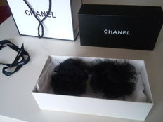 Chanel - Set of 2 matching brooches