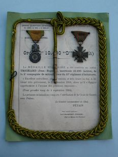 French Charter with 2 medals and a fourragère