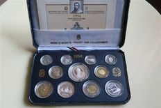 "Republic of Italy - Divisional series, proof, 1994, ""Tintoretto"", 11 coins (including 2 silver coins)."
