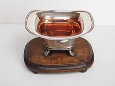 Antique silver pipe holder on wooden base, F.G. Bentveld, Amsterdam, 1821