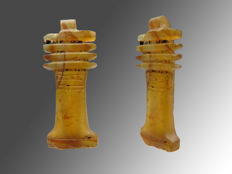 Egyptian Djed amulet of carnelian - 17 mm