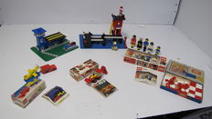 Legoland / Classic - 6 sets o.a. 354 + 369 + 700/6 - Police Heliport + Coast Guard Station + Gift Package