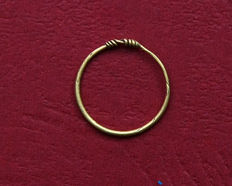 Early medieval gold Viking ring – 15 mm x 15 mm.