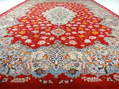 "Keshan – 412 x 306 cm – ""Oversized eye-catcher – Art-deco Persian carpet in stunning condition""."