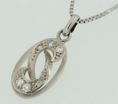 White gold 14 kt necklace with a pendant set with 6 octagon cut diamonds