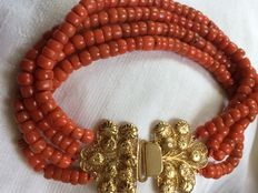 Stunning, 4-strand, 100% genuine natural Mediterranean Sea precious coral bracelet, beautiful large gold clasp with Zeeland bead hook