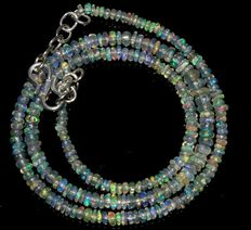 Welo Opal beads necklace