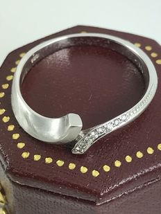 14k crossover diamonds gold ring size 55