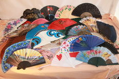 40 fans of all styles and kept throughout the years - in perfect condition