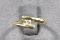 14 KT gold ring with solitary diamond 0.080 ct