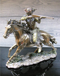 Indian Apache on Horse Shooting - XL sculpture
