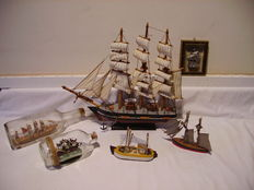 Lot of 6 models / ships / wood / pewter / glass /.