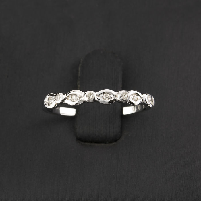 18 kt (750/000) white gold - Cocktail ring - Brilliant cut diamonds of 0.20 ct in total - Ring size 15 (Spain)