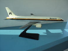 9 airplane models, various airlines