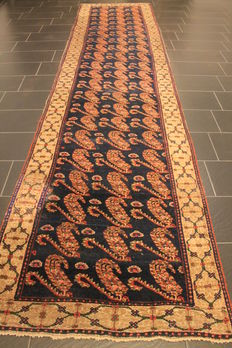 Antique hand-woven Persian carpet Malayer best wool on cotton natural colours 130 x 205 cm made in Iran around 1910/1920 unique piece