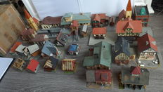 Faller/Kibri/Vollmer H0 - Lot of small houses, stations... 28 pieces