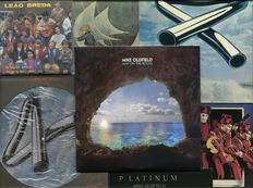 Lot of seven albums by English multi-instrumentalist and composer Mike Oldfield and related