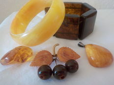 Lot of 4 amber items of jewellery, Baltic Sea amber