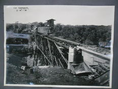 Album with 26 old photos of the construction of the railroad bridge in Tjisomang – western Java – Indonesia