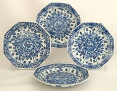 Series of 4 octagonal plates - China - 19th century