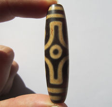 Large agate bead - 6 Eyes - Tibet - Late 20th century