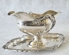 C.L. Dahmen - Silver gravy boat, solid silver ( 800) Long 9'' ½ large  5'' ½ high 6'' ½   weight  20 oz.   558 gr.