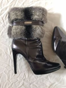 Casadei – Ankle boots with fur