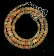 Necklace with Welo Opals, 47 ct, 925 silver clasp