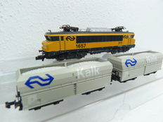 Fleischmann/Minitrix N - 7363/13656  - E-loc Series 1600 with two limestone carriage from NS