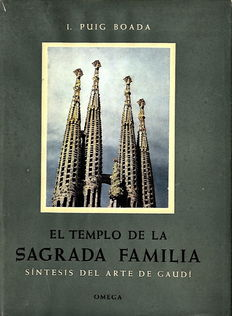 Lot of 2 publications about the Spanish architect Gaudi - 1952/1987