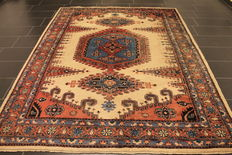 Beautiful old Persian carpet Viss Wiss 210 x 280 cm, made in Iran circa 1970, very good condition
